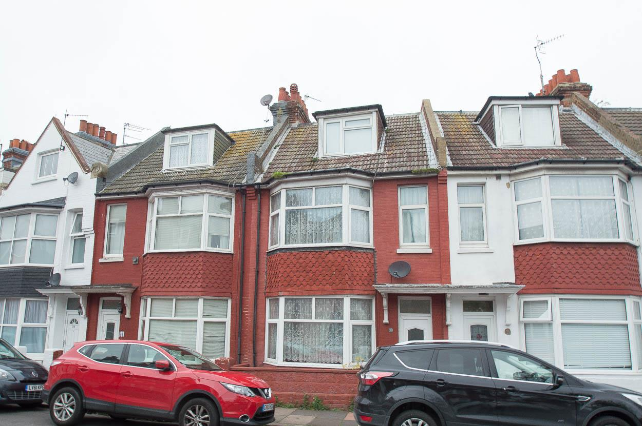 4 Bedrooms End Of Terrace House for sale in Willowfield Road, Eastbourne